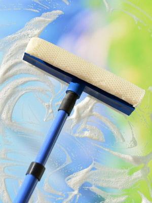 19 astuces pour nettoyer ses vitres efficacement et sans. Black Bedroom Furniture Sets. Home Design Ideas