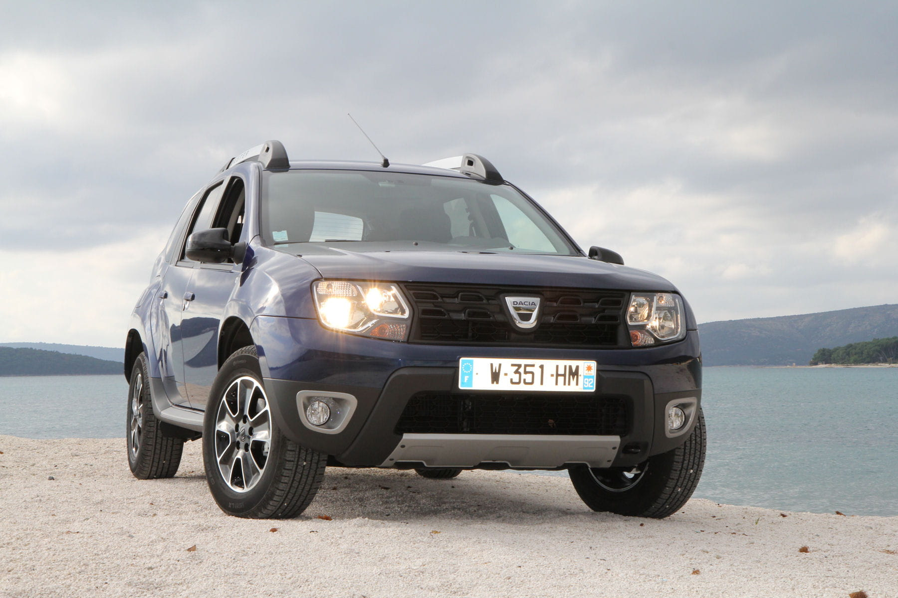 il continue de cartonner essai dacia duster le suv low. Black Bedroom Furniture Sets. Home Design Ideas