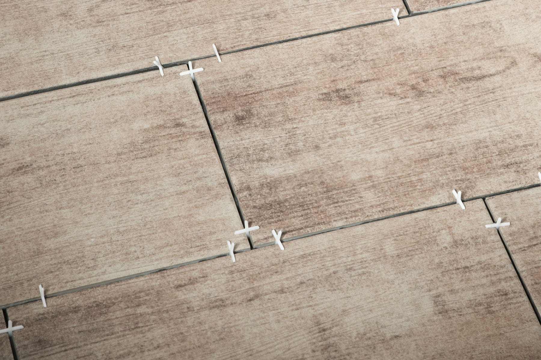 des conseils pour bien choisir son carrelage de sol linternaute. Black Bedroom Furniture Sets. Home Design Ideas