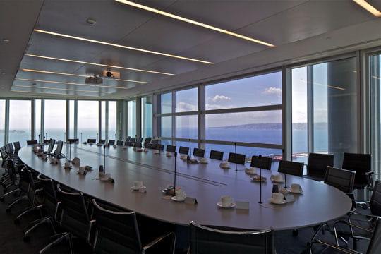 http://www.linternaute.com/actualite/grand-projet/tour-cma-cgm-de-marseille/image/2-200-salaries-1048724.jpg