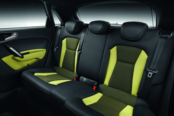 une finition plus originale nouvelle audi a1 sportback la version 5 portes en 2012 linternaute. Black Bedroom Furniture Sets. Home Design Ideas