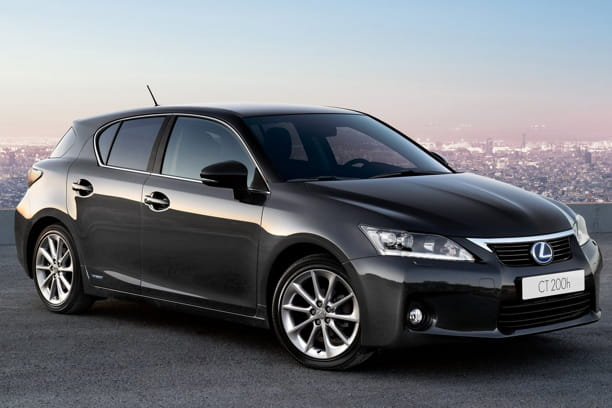 lexus ct 200h r trospective les voitures qui ont marqu l 39 ann e 2011 linternaute. Black Bedroom Furniture Sets. Home Design Ideas