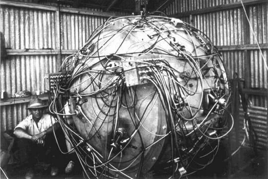 Histoire : Premiers essais nucléaires Avant-l-explosion-1097182