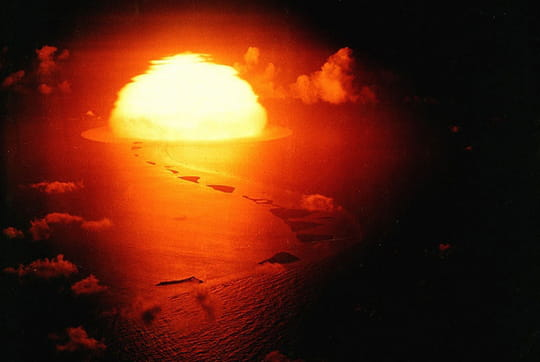 Histoire : Premiers essais nucléaires Bombe-thermonucleaire-1097204