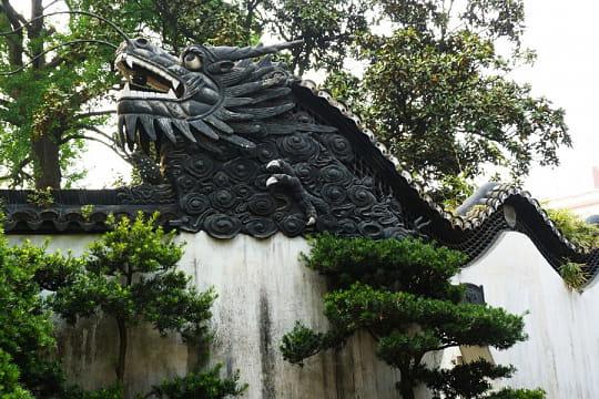 Les murs du dragon au jardin yuyuan les dragons de chine for Le jardin yuyuan