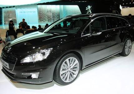 Essai Peugeot 508 SW : la lionne a les dents longues Peugeot-508-sw-mondial-paris-2010-note-plus-tard-ne-pas-exposer-voiture-noir-1111087