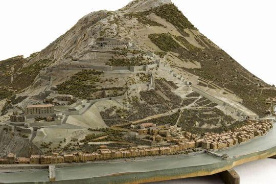 Histoire : France en relief Grenoble-1116880