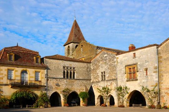villages les plus romantiques : monpazier
