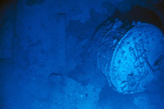 Cent ans plus tard : L'épave du Titanic Navire-brise-1197191