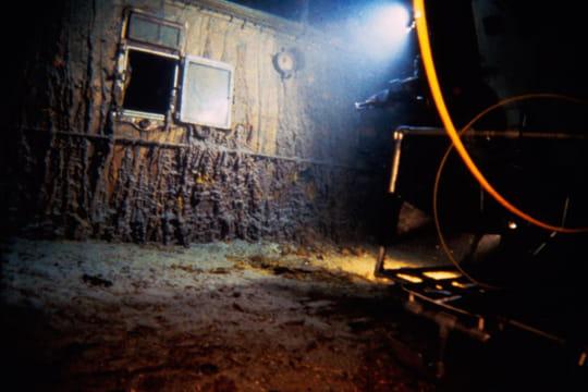 Cent ans plus tard : L'épave du Titanic Dsv-alvin-1197445