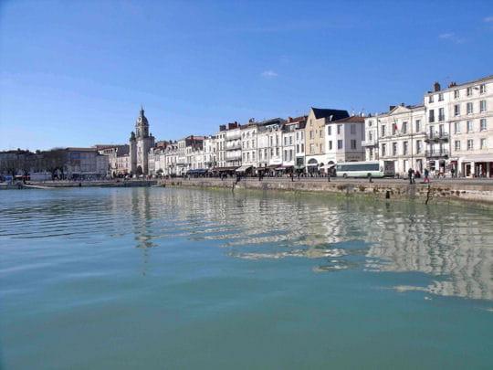 Le port et la ville de la rochelle visite des tr sors de for Piscine de la rochelle
