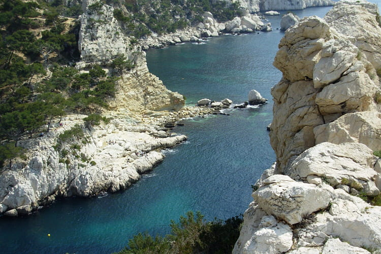 1210609-le-parc-national-des-calanques.jpg