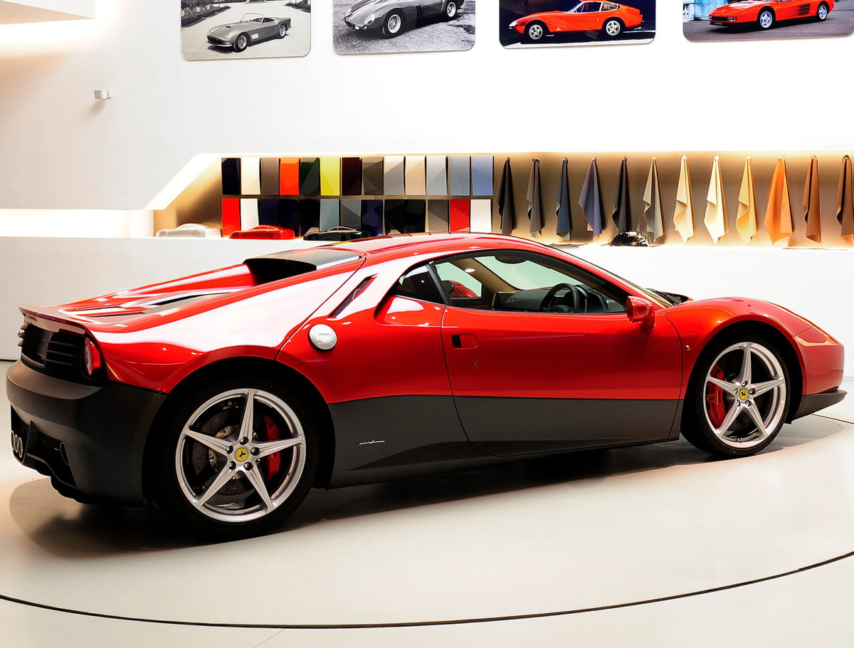 http://www.linternaute.com/auto/voiture-de-luxe/image/ferrari-sp12-ec-arria-re-auto-luxe-1260503.jpg?1338542465