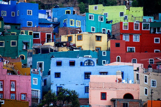Les villes et quartiers les plus color s du monde for Maison de l amerique du sud