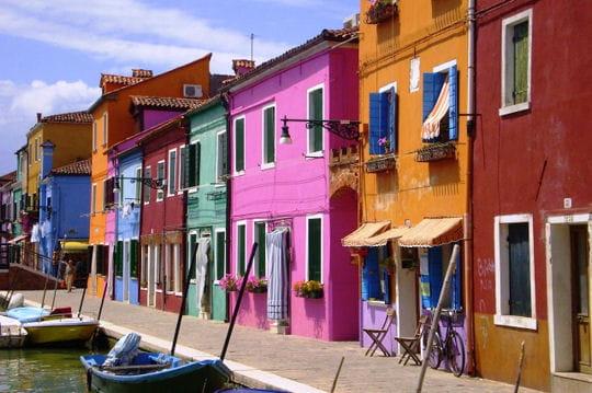 Burano l 39 le color e de la s r nissime les villes et quartiers les plu - La maison de la couleur ...