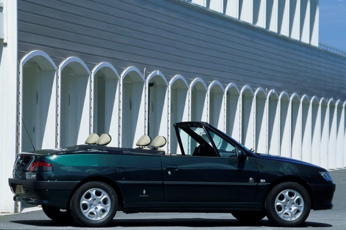 peugeot 306 cabriolet la saga pininfarina en 28 mod les linternaute. Black Bedroom Furniture Sets. Home Design Ideas