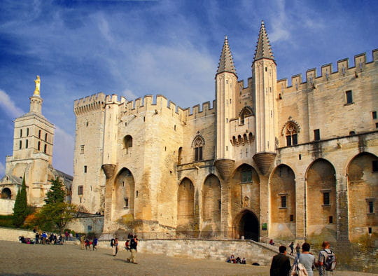 Папский дворец в Авиньоне 10 лучших достопримечательностей Франции