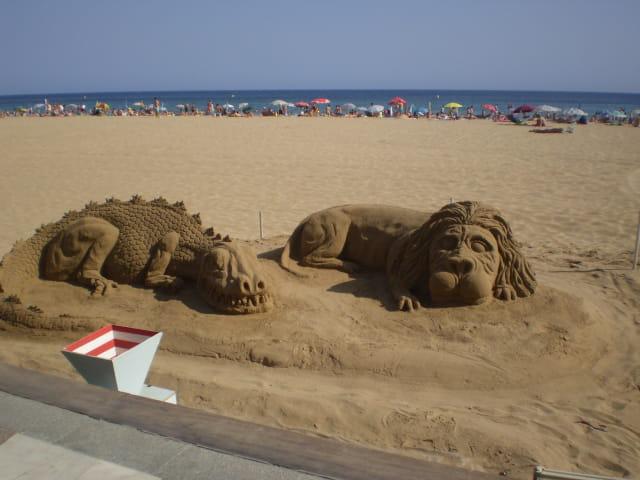 benidorm-sculptures-sable-1347744.jpg