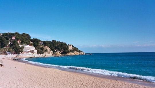 lloret de mar sur la costa brava les plus belles plages d 39 espagne linternaute. Black Bedroom Furniture Sets. Home Design Ideas