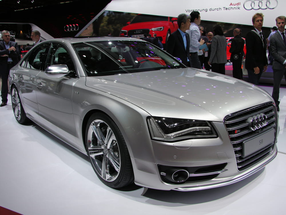audi s8 mondial de l 39 auto 2012 les voitures de luxe envahissent paris linternaute. Black Bedroom Furniture Sets. Home Design Ideas