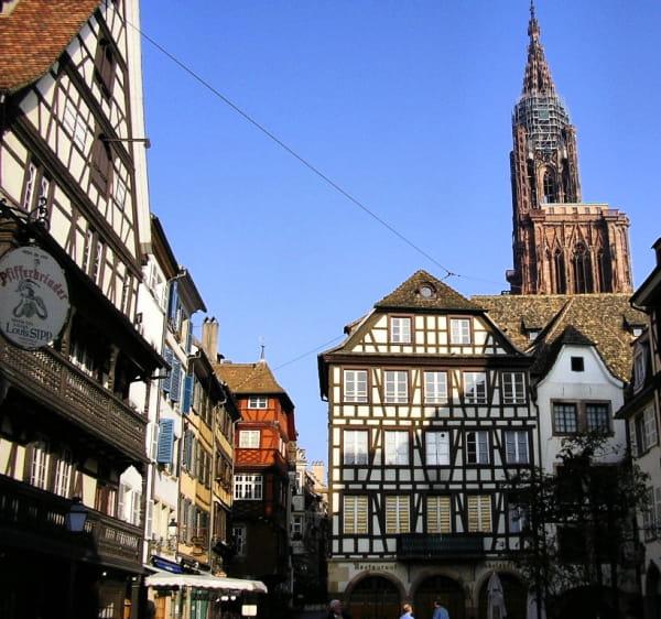 http://www.linternaute.com/auto/conduite/les-villes-les-plus-embouteillees-de-france-en-2012/image/strasbourg-1407286.jpg