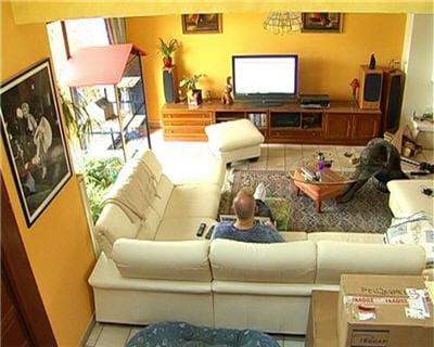 la pi ce centrale reportage sur l 39 internaute high tech. Black Bedroom Furniture Sets. Home Design Ideas