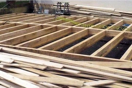 nettoyage de l 39 ossature en bois reconstruction d 39 un chalet vosgien linternaute. Black Bedroom Furniture Sets. Home Design Ideas