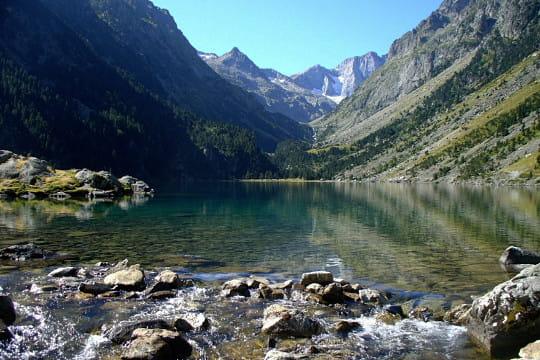 Le lac de gaube merveilleux lacs de montagne linternaute - Lac de gaube ...