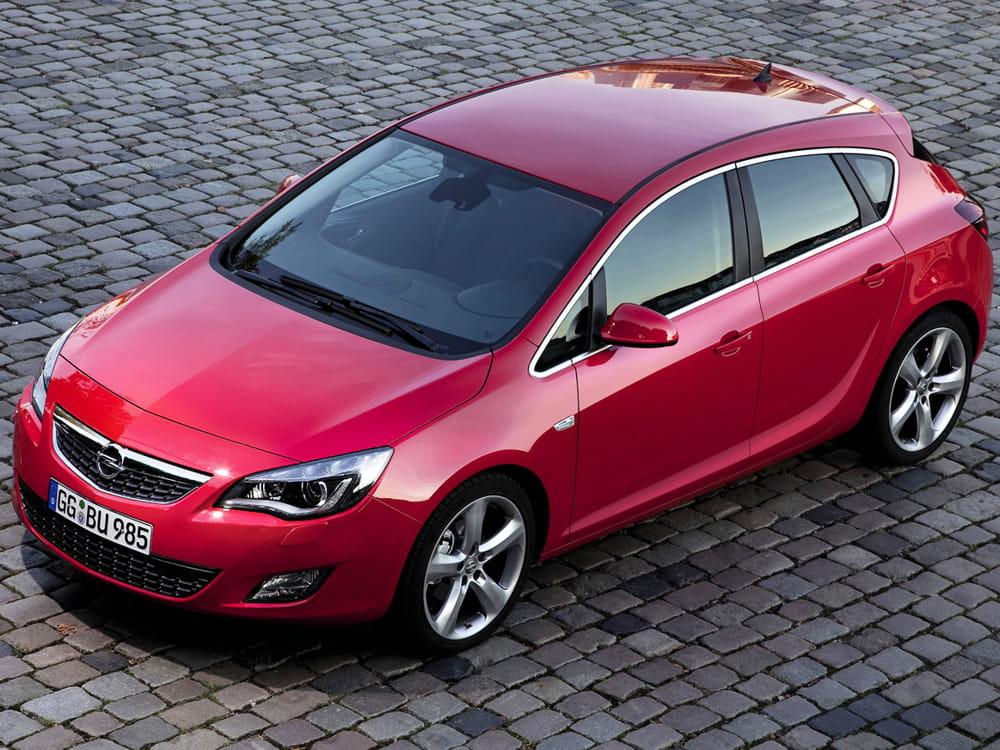 Фото Opel Astra J Hatchback.