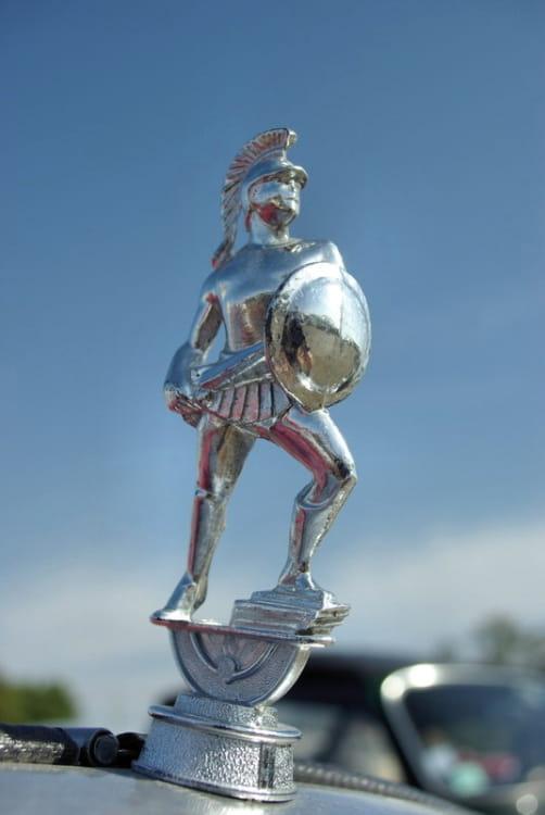 mascotte spartan bouchon de radiateur les  belles mascottes automobiles linternaute