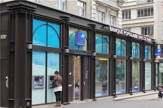 la banque populaire rives de paris ouvre l 39 re des boutiques bancaires. Black Bedroom Furniture Sets. Home Design Ideas