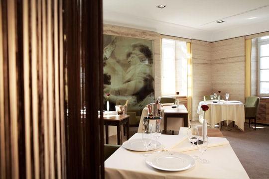 12e le vend me bergisch gladbach allemagne les meilleurs restaurants du monde linternaute. Black Bedroom Furniture Sets. Home Design Ideas