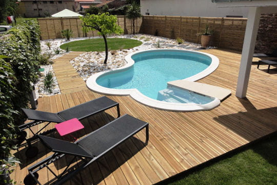 Piscine et baln o en m me temps 25 piscines et spas for Piscine waterair celine