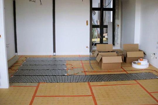 installation du chauffage au sol cr ation d 39 un loft dans une ancienne usine de tourcoing. Black Bedroom Furniture Sets. Home Design Ideas