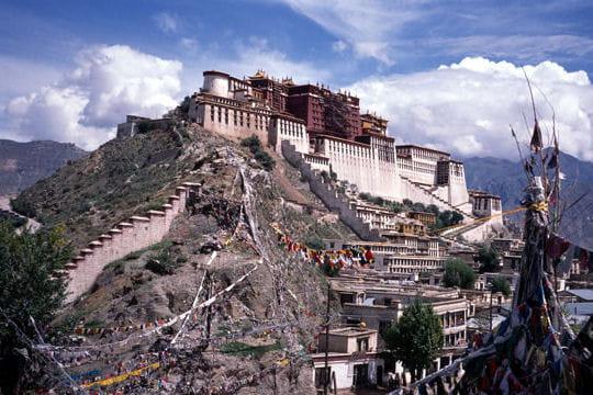 le palais du potala au tibet