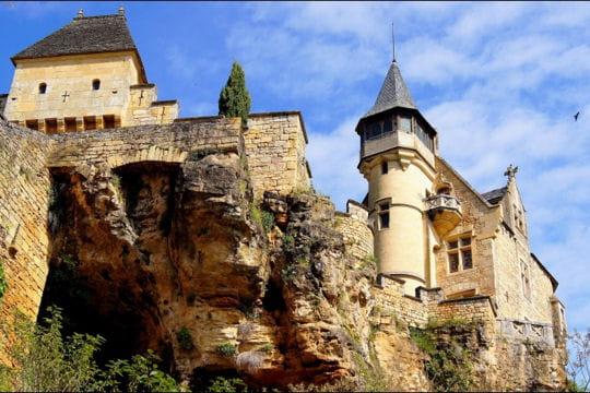 le château de montfort en dordogne