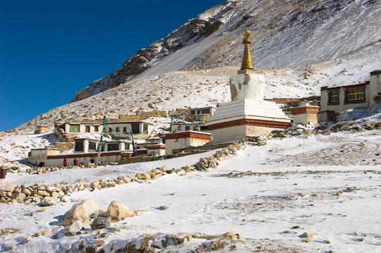 le monastère de rongbuk : le plus haut du monde