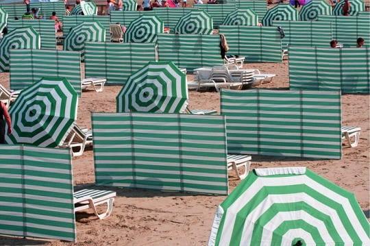 G om trie estivale vos plus belles photos qui voquent les vacances linte - Paravent de plage en toile ...