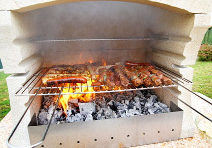 Monter un barbecue fixe en kit for Table exterieur intermarche
