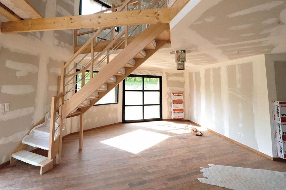 un escalier sur mesure une maison ronde en normandie linternaute. Black Bedroom Furniture Sets. Home Design Ideas