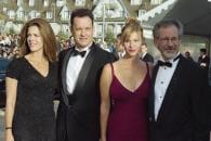 http://www.linternaute.com/cinema/star-cinema/ces-acteurs-en-couple-avec-des-inconnues/image/copie-de-000_arp3526914-cinema-stars-1734165.jpg