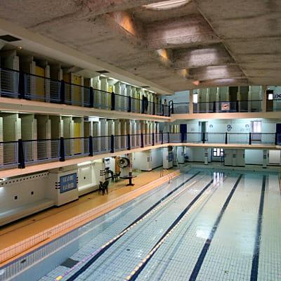 Piscine des amiraux paris les plus belles piscines pour faire le grand plongeon linternaute for Piscine pour nager paris
