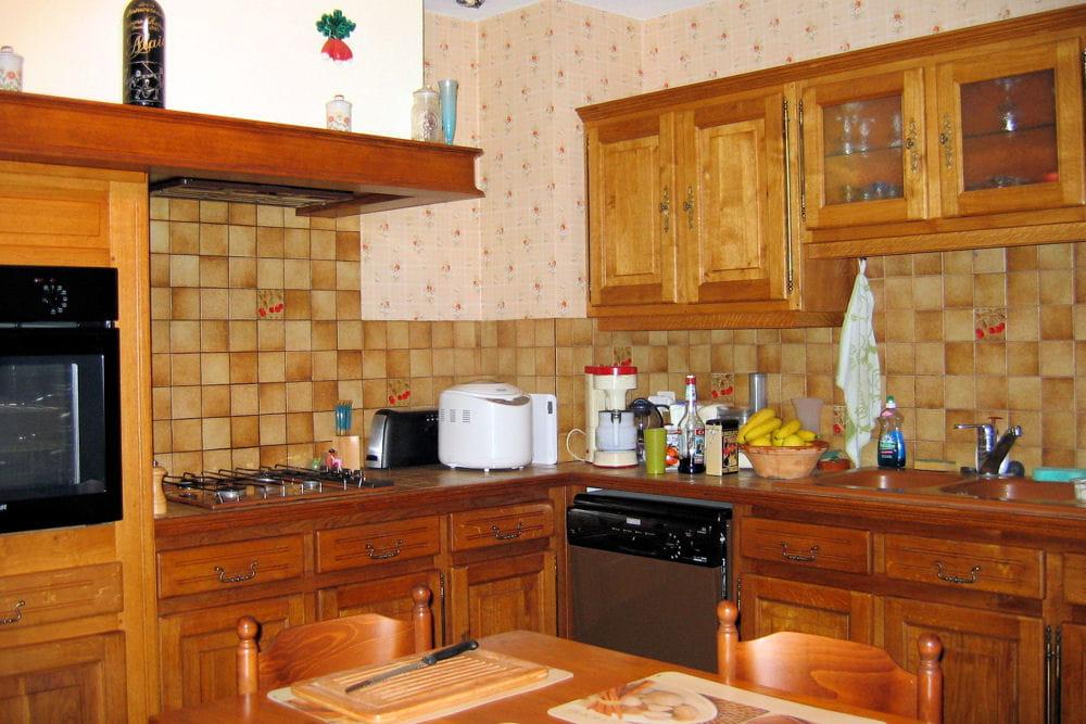 une cuisine rustique 15 cuisines am nag es par les lecteurs linternaute. Black Bedroom Furniture Sets. Home Design Ideas
