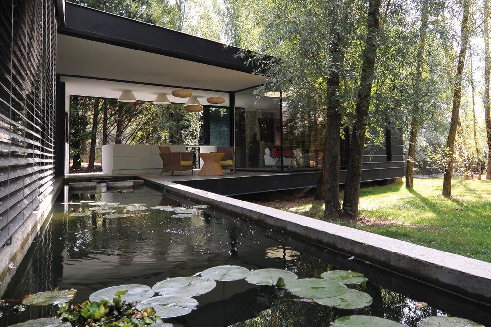 une maison bbc et zen. Black Bedroom Furniture Sets. Home Design Ideas