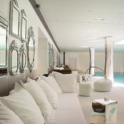 les 15 plus beaux spas de france linternaute. Black Bedroom Furniture Sets. Home Design Ideas