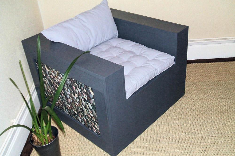 un fauteuil 15 meubles en carton fabriqu s par les lecteurs linternaute. Black Bedroom Furniture Sets. Home Design Ideas