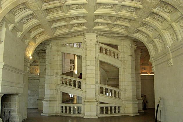 ch 226 teau de chambord escalier 224 h 233 lice une vie de roi 224 travers 20 monuments fran 231 ais