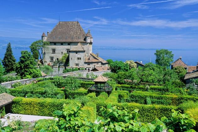 Le chateau et le jardin des cinq sens d 39 yvoire le for Jardin du chateau annecy