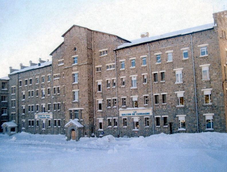 un ancien sanatorium font romeu les tr sors et biens insolites vendus par l 39 etat linternaute. Black Bedroom Furniture Sets. Home Design Ideas