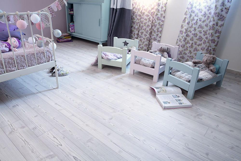 sol vinyle scandinavia de tarkett des id es de sol pour la chambre linternaute. Black Bedroom Furniture Sets. Home Design Ideas